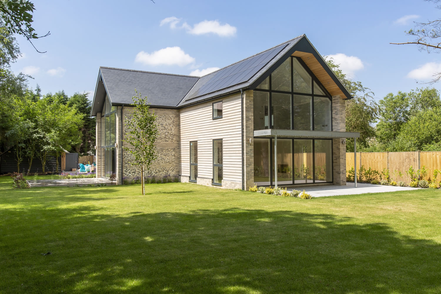 Sips-Eco-Luxury-Energy-Efficient-Passivhaus-Sips-Home-Stone-Timber-Clad